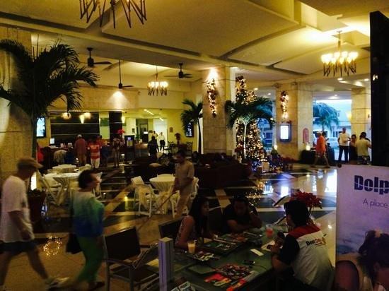 lobby bild von panama jack resorts gran caribe cancun. Black Bedroom Furniture Sets. Home Design Ideas