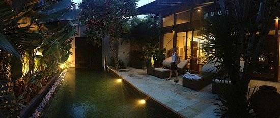 Kei Villas: The pool.