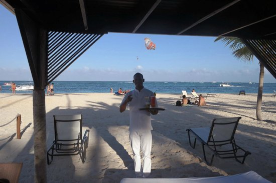 Secrets Royal Beach Punta Cana: Starlin at the Cabana