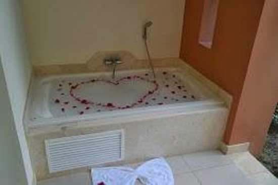 Secrets Royal Beach Punta Cana: Thanks for the special surprise Starlin!