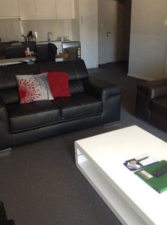 Verandah Apartments Perth: Lounge