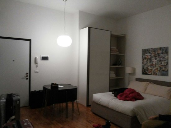 Milan Apartment Rental: Good size 1 bed with sofa bed
