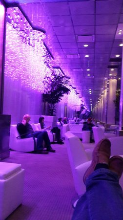 Night Times Square: Lobby