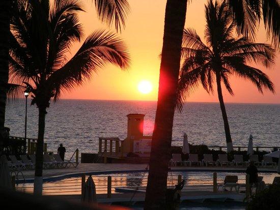 Samba Vallarta All Inclusive : Sunsets from the Balcony