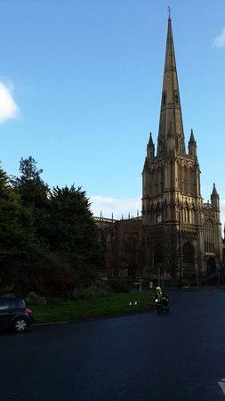 St Mary Redcliffe Church: St Mary Redcliff taken from a street view