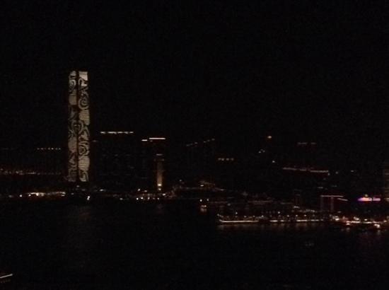 Conrad Hong Kong: room with a light display view