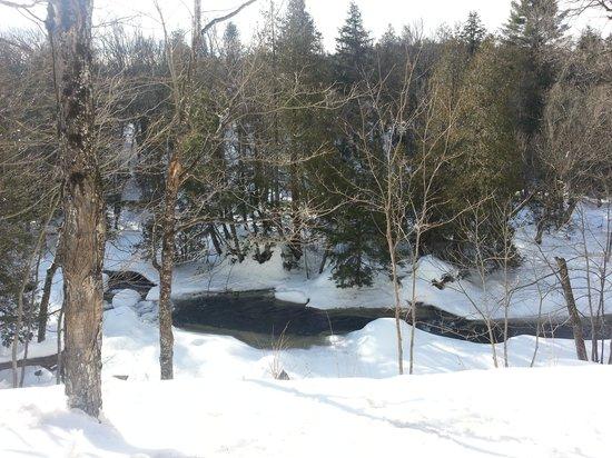 Auberge & Spa Nordique Beaux Rêves : La rivière