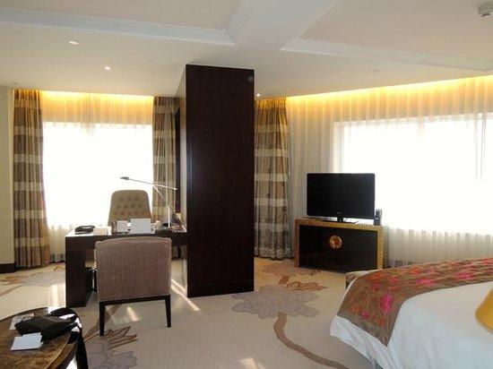 InterContinental Hotel Dalian: コーナーの部屋