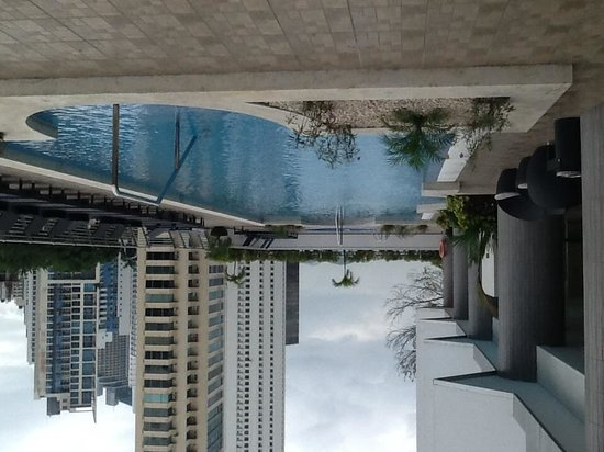Marriott Executive Apartments Panama City, Finisterre : Pool area