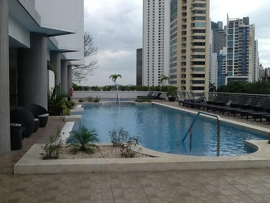 Marriott Executive Apartments Panama City, Finisterre: Pool area