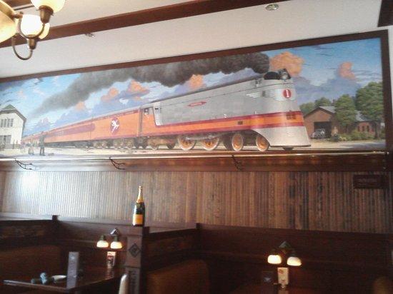 Hotel Pattee : Mural in Restaurant