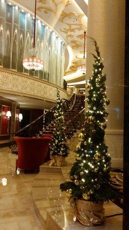 The Trans Luxury Hotel Bandung: Lobby