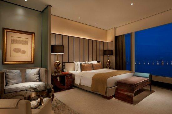 Mgm Grand Hotel Llc