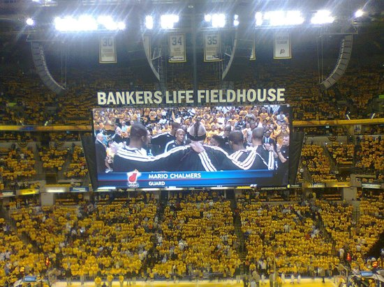 Bankers Life Fieldhouse: Big screen!