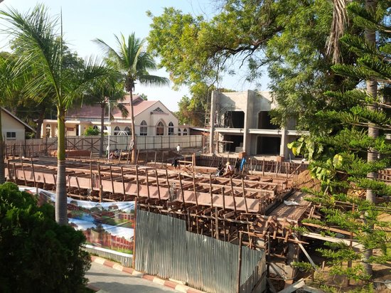 The Hotel Bagan Umbra: Best to wait until new building (under construction) is available