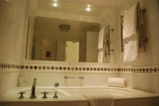 Powerscourt Hotel, Autograph Collection: Soaking Tub