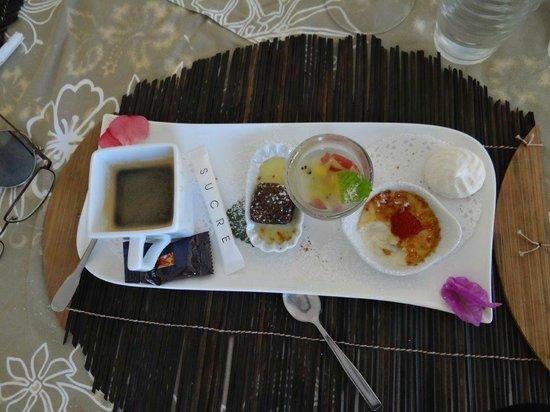 Opoa Beach Hotel : Un superbe café gourmant