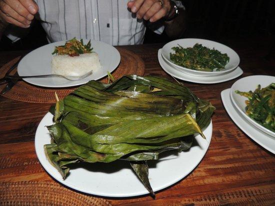 Pregina Warung : Balinese duck dinner