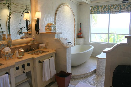 One & Only Palmilla Resort: Bathroom in our suite