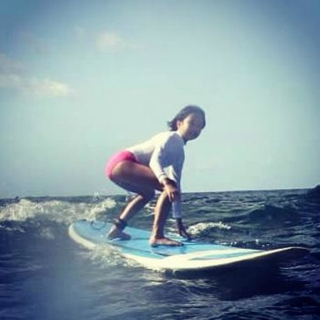 Gone Surfing Hawaii : 5 attempts, 5 times up on the board...!