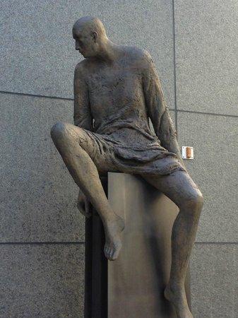 Artis-Naples: Sculpture by Hanneke Beaumont