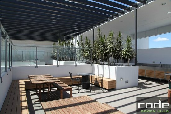 Skydeck Bbq Picture Of Code Apartments Brisbane Tripadvisor