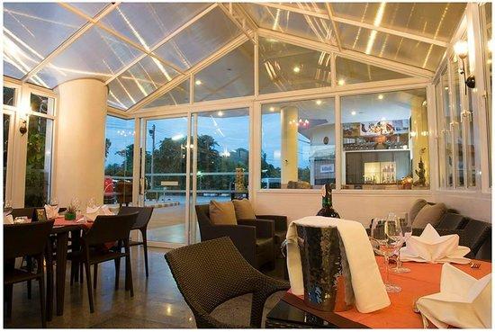 Loei Palace Hotel : Wine De Bay dinning room