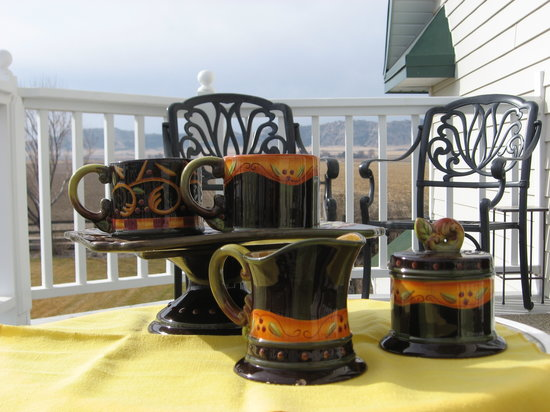 Barn Anew Bed and Breakfast: Perfect setting for an early morning cup of steaming coffee