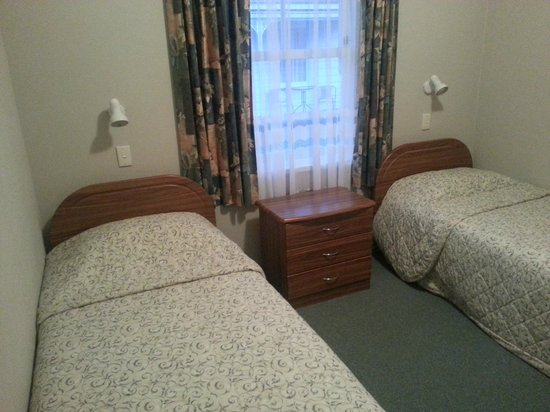 Coromandel Colonial Cottages Motel: 2nd Bedroom 2 Bedroom Cottage