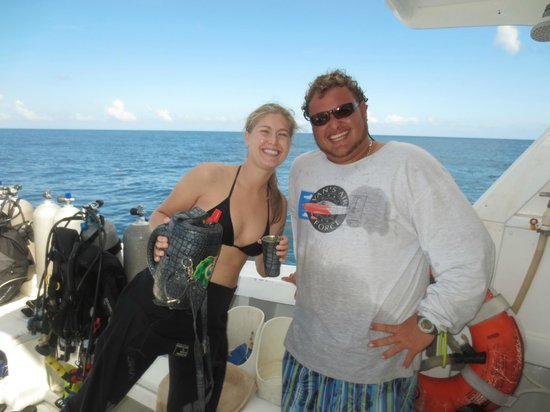 Utila Lodge: Dive Master Willie and Daughter