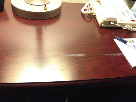 MainStay Suites Texas Medical Center/Reliant Park : Unknown white smear on nightstand
