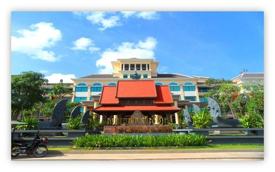 Pacific Hotel & Spa: Front side
