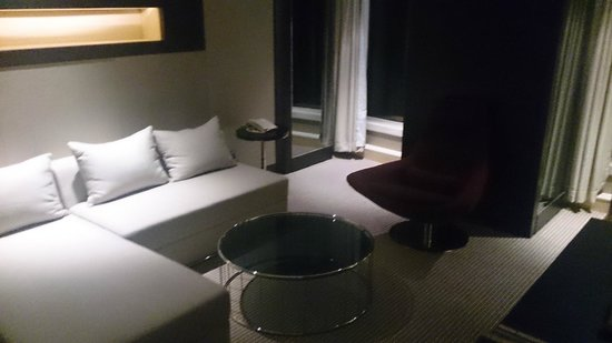 Hotel Nikko Shanghai: リビングルーム