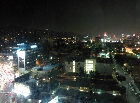 Loews Hollywood Hotel: City view at night (1st room)