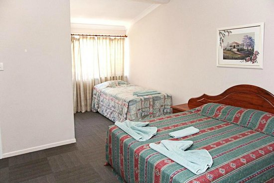Indooroopilly Lodge and Motel: Motel unit interior 2
