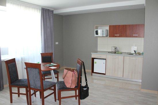 Aparthotel Comfort: кухня в номере
