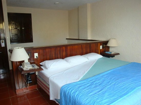 Suites Bahia: 1 of 2 beds