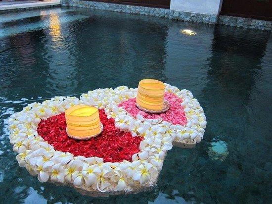 Villa Mahapala: private pool decoration
