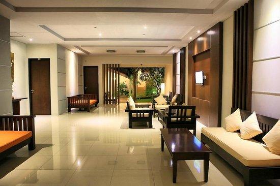 Hotel Patrisia: lobby