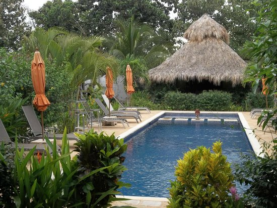 Villa Deveena: Beautiful Pool Area