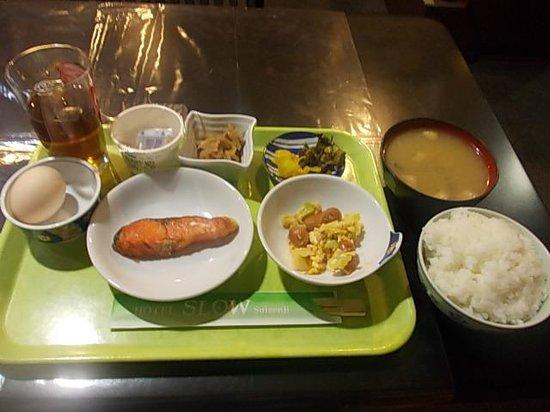 Hotel Slow Suizenji: 朝食の様子(500円プラスとなります)