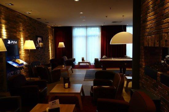 pentahotel Leipzig: Loungebereich