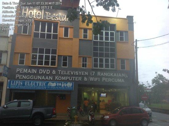Hotel Bestari : The Bestari is of .... modest...appearance.
