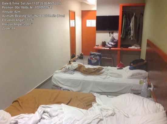 Hotel Bestari : Rooms are basic.