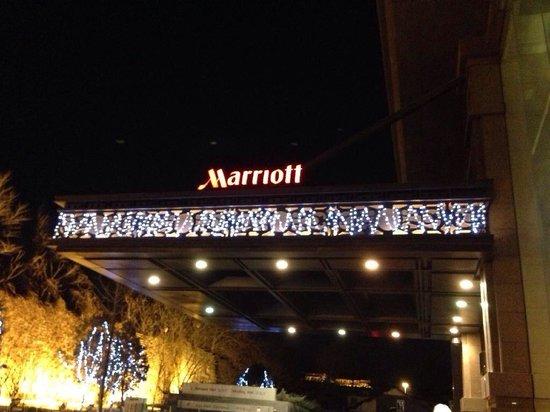 Beijing Marriott Hotel City Wall: Marriott logo