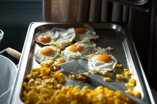 Rinderberg Swiss Alpine Lodge : breakfast