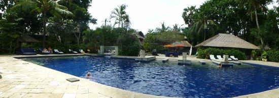 Mercure Resort Sanur: The big pool