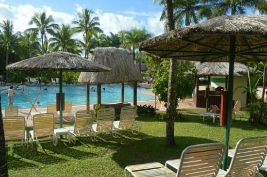 Outrigger Fiji Beach Resort: Main Resort Pool