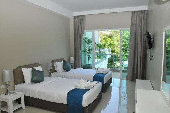 AM Surin Place : Twin beds Deluxe Room
