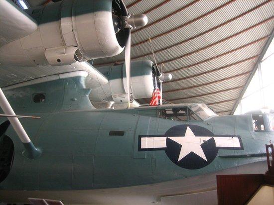 Aviation Heritage Museum: カタリナ操縦窓